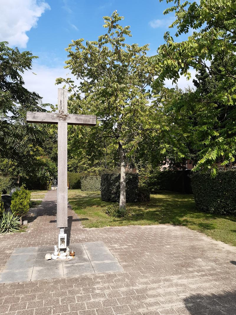 Begraafplaats Joannes de Doper kerk Hoofddorp