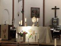 Eucharistische Aanbidding in onze kerk